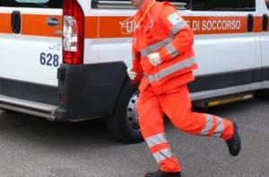 Auto fuori strada nell'area industriale di Dronero: ferito un giovane