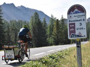 Busca, al Teatro Civico l'impresa di Giovanni Panzera: da Trieste a Monte Carlo in bicicletta attraverso le Alpi