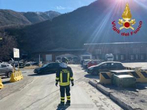 Nuove raffiche di vento nelle valli alpine, lamiere sulle auto allo stabilimento Sant'Anna di Vinadio