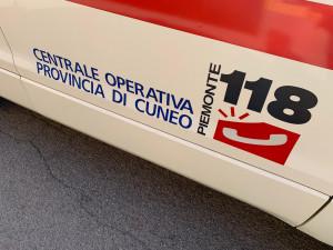 Auto fuori strada a Bene Vagienna, ferito un 45enne