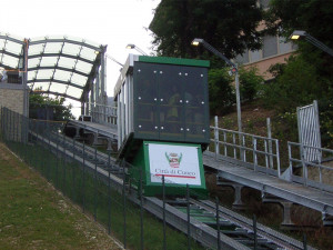 L'ascensore inclinato di Cuneo chiude per una prova di evacuazione di persone diversamente abili