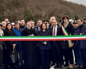 A tre mesi dal crollo inaugurato il viadotto 'Madonna del Monte' sulla Torino-Savona