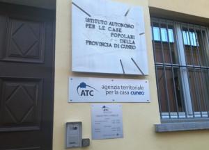 Coronavirus, le direttive ai dipendenti dell'Atc Piemonte Sud: 'Ritiro documenti con guanti di lattice'
