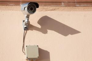 Cuneo, installa una telecamera per 'sorvegliare' il vicino: lui lo denuncia