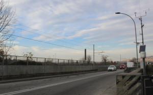 Alba, lunedì 9 marzo senso unico alternato sul vecchio ponte del Tanaro