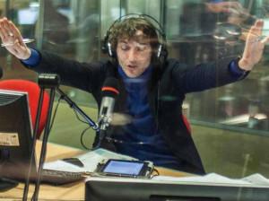 Carrù, cacciato da una web radio locale per aver detto che il Coronavirus non esiste, finisce alla 'Zanzara' di Cruciani