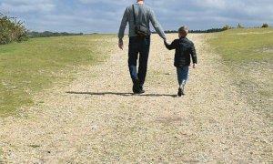 Passeggiare con i propri figli è consentito (ma ad alcune condizioni)
