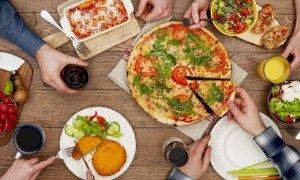 Anche in provincia di Cuneo pasti a domicilio con '#ristoriAMOci a casa'