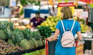 I sindacati alla Regione: 'Chiudete i supermercati nei giorni festivi'