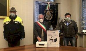 Verzuolo, il Comune acquista maschere e tute per la Protezione Civile