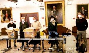 Alba, dai gruppi consiliari di minoranza una donazione di 2 mila mascherine