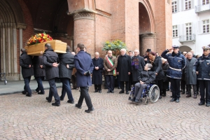 Alba ha dato l'ultimo saluto all'ex Sindaco, il commendator Gian Giacomo Toppino