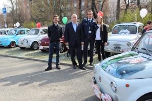 "Alba, oltre 175 Fiat 500 storiche in città per i ""60 Anni 500 - XIª Edizione"