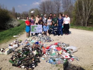 Al Parco Tanaro l'azione di E.R.I.C.A. per Let's Clean Up Europe