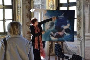 Bra e l'arte al femminile: a Palazzo Mathis la mostra di Ada Nori