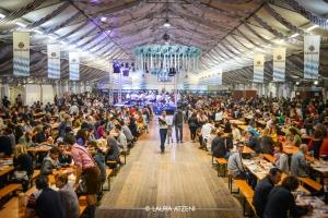 L'Oktoberfest Cuneo 2017 apre i battenti con un grande spettacolo piromusicale