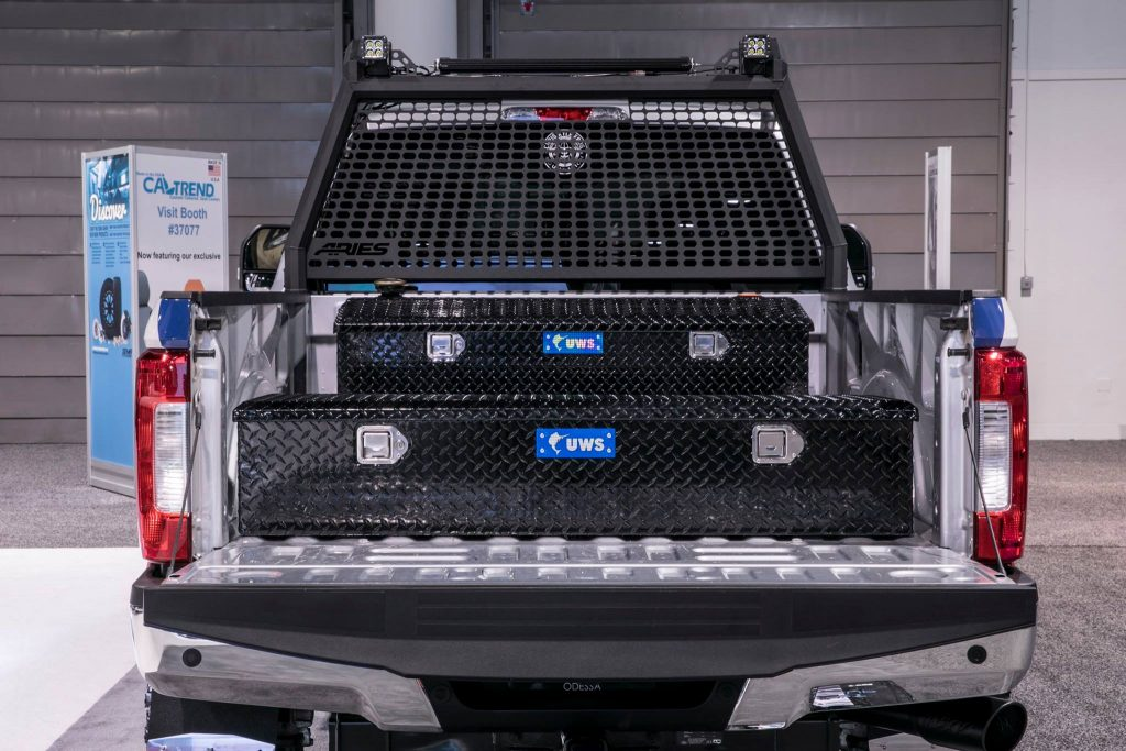 SEMA 2017 FORD SUPER DUTY CHRIS KYLE FROG FOUNDATION-UWS 58IN 5TH WHEEL TRUCK TOOL BOX