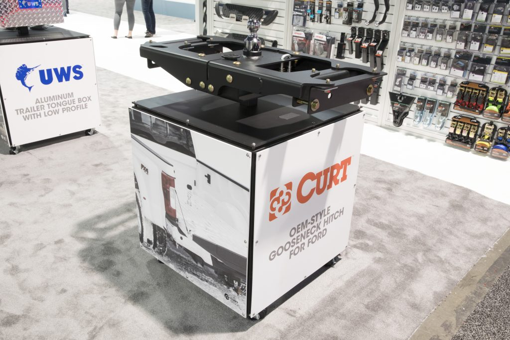 SEMA 2017 CURT OEM- STYLE GOOSENECK HITCH FOR FORD