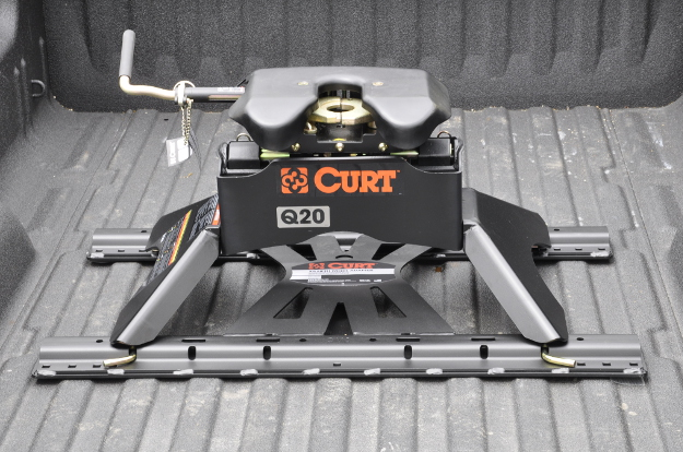 CURT 5th wheel to gooseneck adapter with 5th wheel hitch