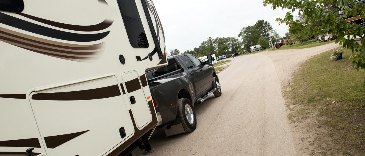 CURT brake controller towing 5th wheel trailer