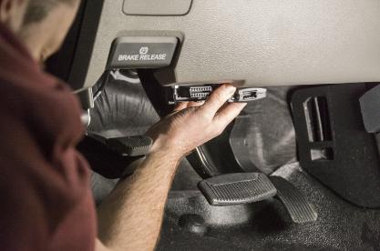 CURT Spectrum™ trailer brake controller installation