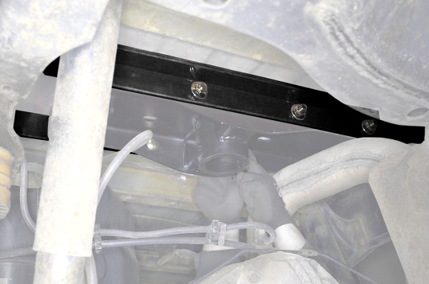 CURT gooseneck hitch installation brackets
