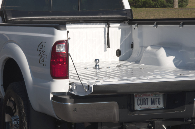 CURT gooseneck hitch in pickup truck bed