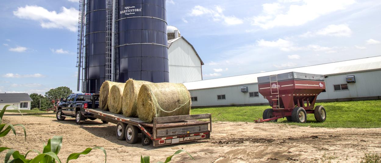 CURT gooseneck towing farm truck equipment
