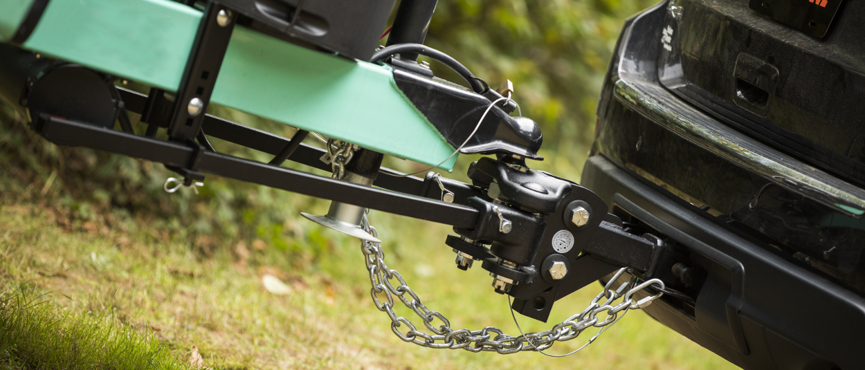 CURT TruTrack™ weight distribution hitch with sway control