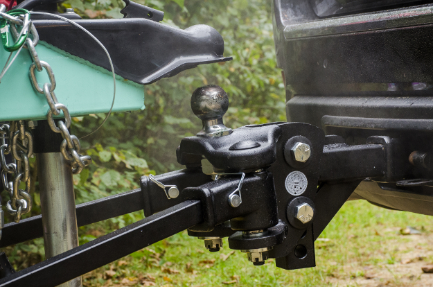 TruTrack™ weight distribution hitch with trailer ball
