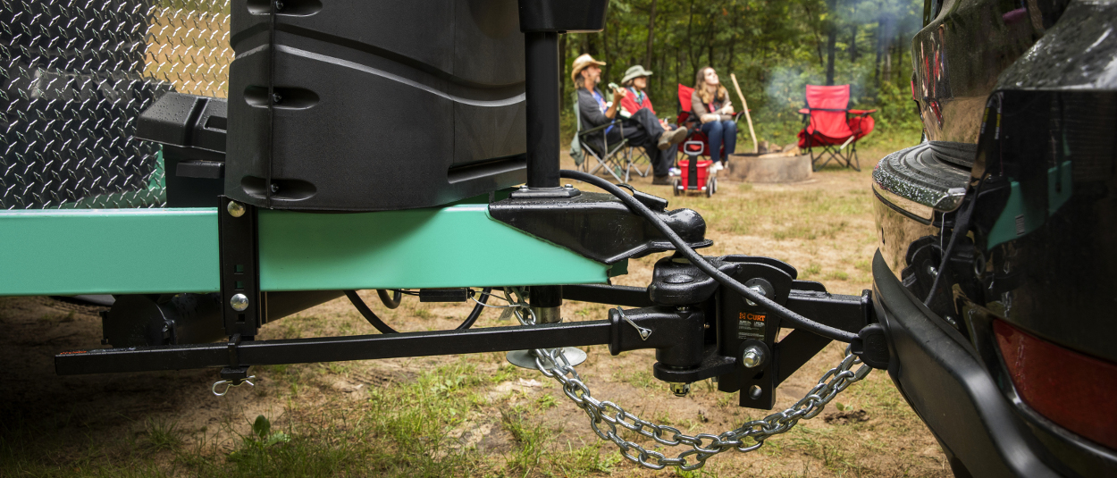CURT weight distribution hitch TruTrack