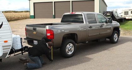 Measuring truck height with trailer