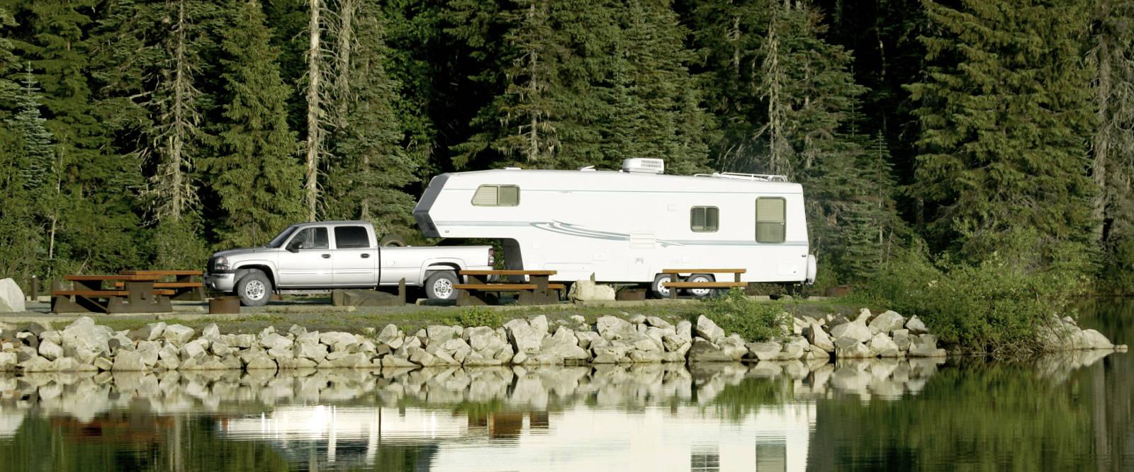 CURT 5th Wheel Hitch Pickup Truck Camper