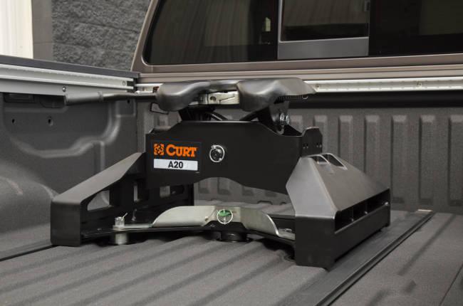 CURT A20 5th Wheel Hitch Nissan Titan XD Puck System