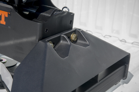 First-to-Market Puck System 5th Wheel Legs for Nissan Titan XD