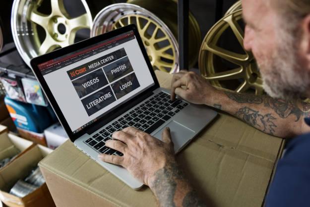 CURT Online Media Center Shop Owner