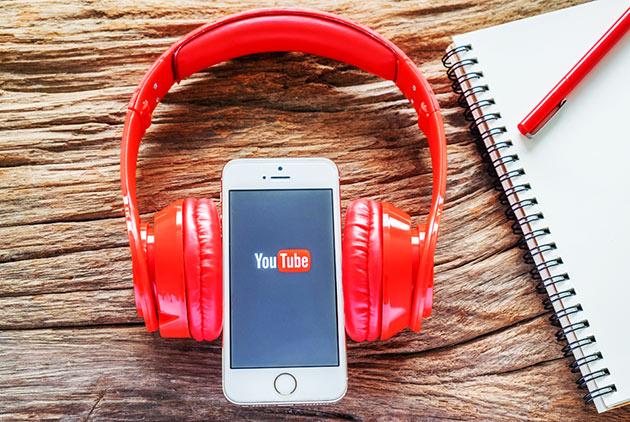 是什麼讓YouTube無名歌手爆紅?
