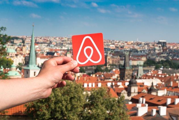 假共享、真逃稅?各國怎麼管制Airbnb「假房東」...