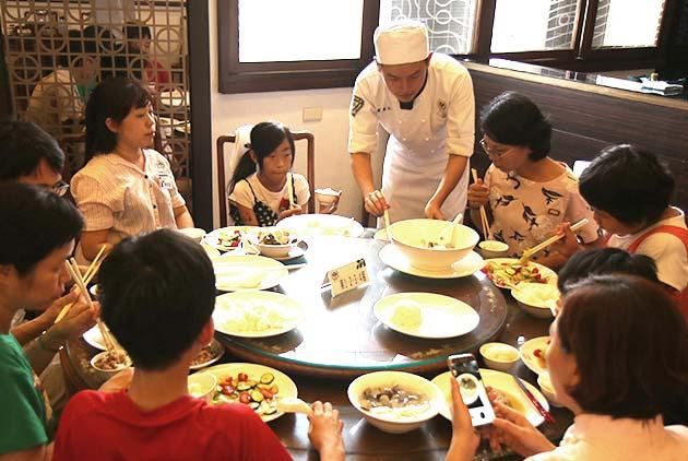 龜甲萬食育夏令營  重啟親子健康生活