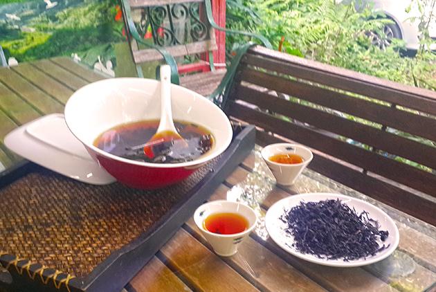 60個家庭集資「定存大自然」 在石門打造出全台唯一平地茶園