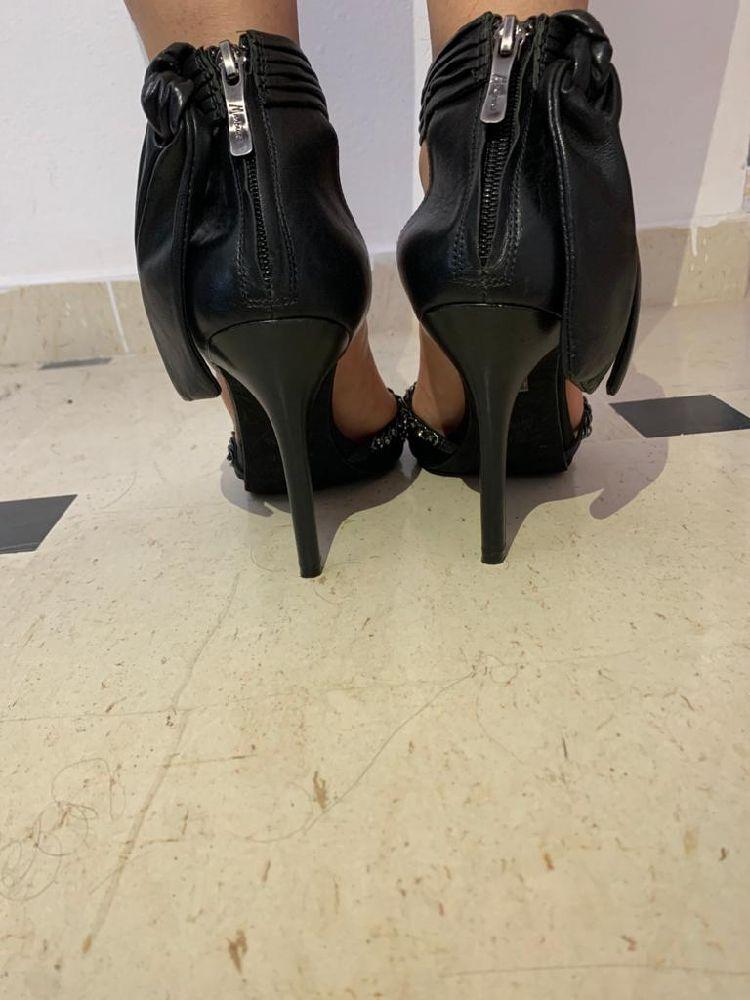 Sandales guess