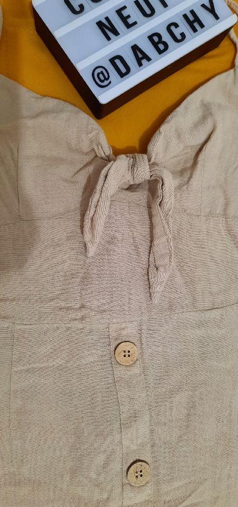 Robe avec des boutons primark