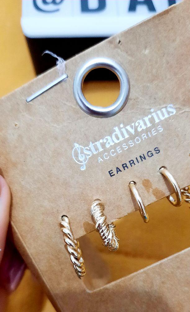 Boucles d'oreilles dorée stradivarius