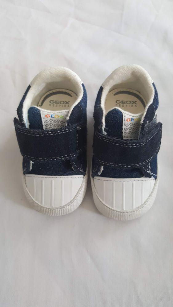 Chaussures Geox pour bébé pointure 19
