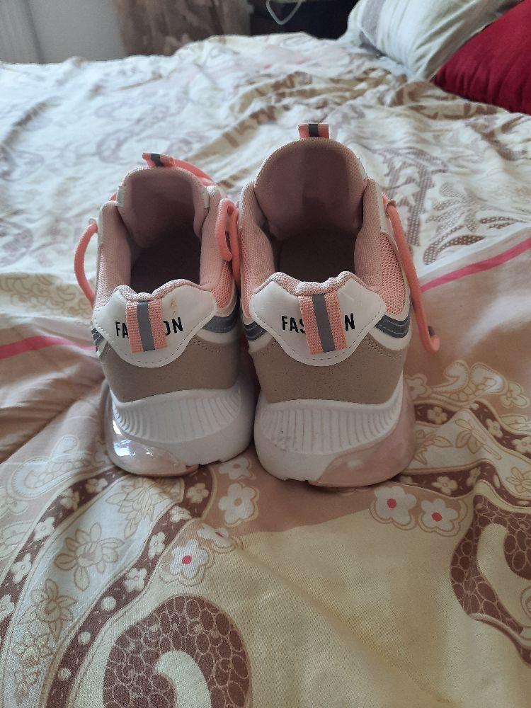 Sneaker Fashion blanc et rose poudré