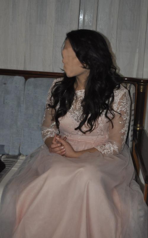 Robe soirée rose en dentelle  Taille 40/L
