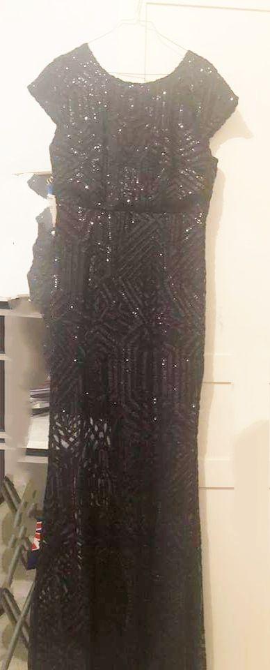 Robe soirée taille 40/42 portée une seule fois tres originale