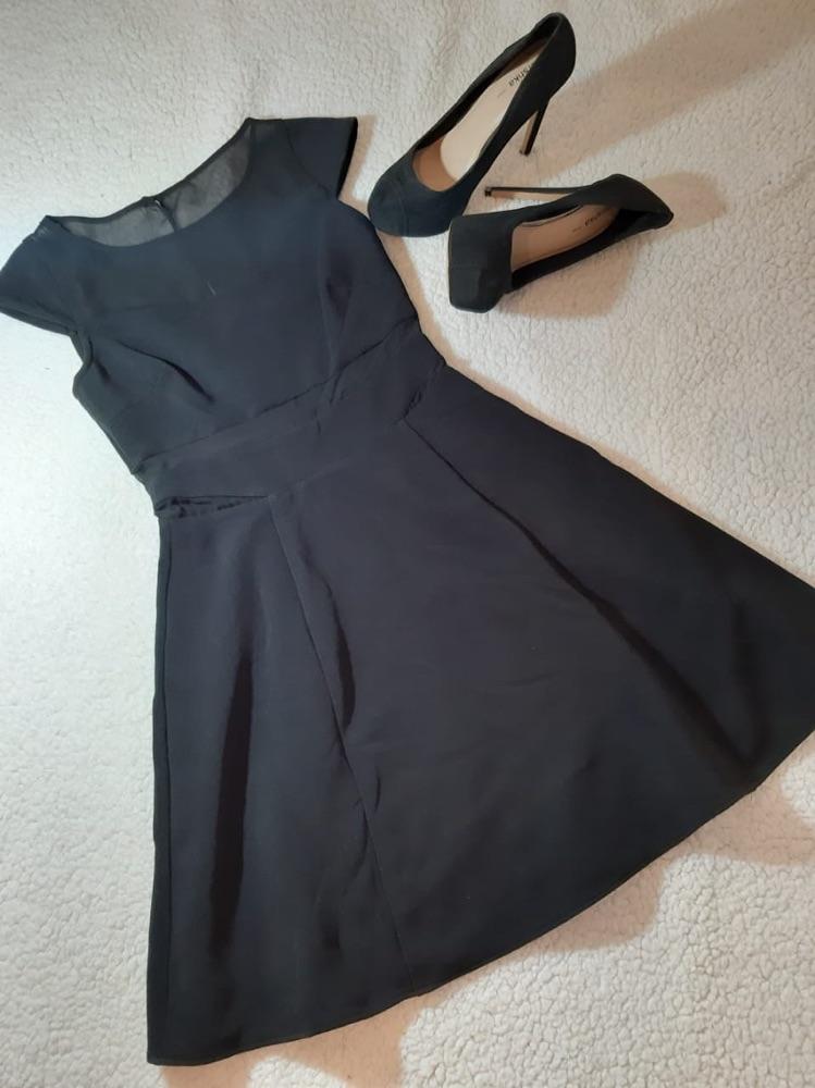 Robe noire courte