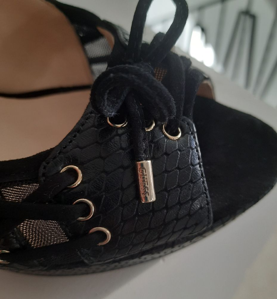 Chaussures guess authentiques