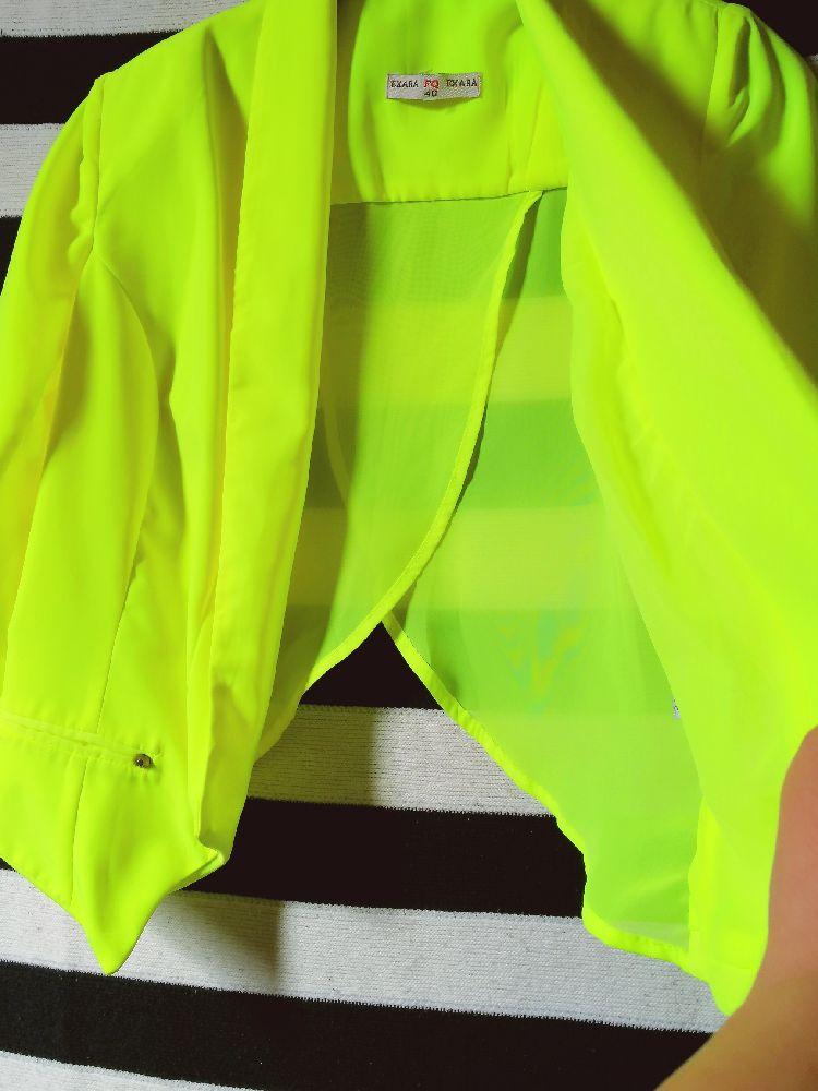 Très jolie veste néon tendance